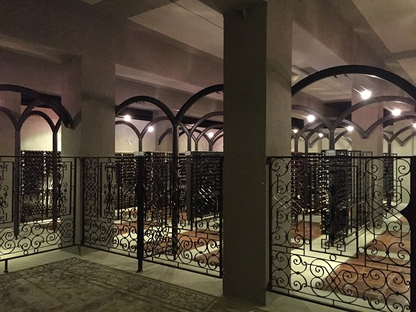 La Rioja Alta wine library