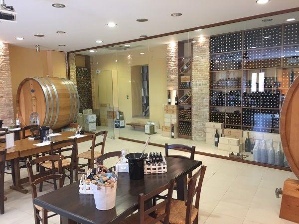 Douloufakis tasting room