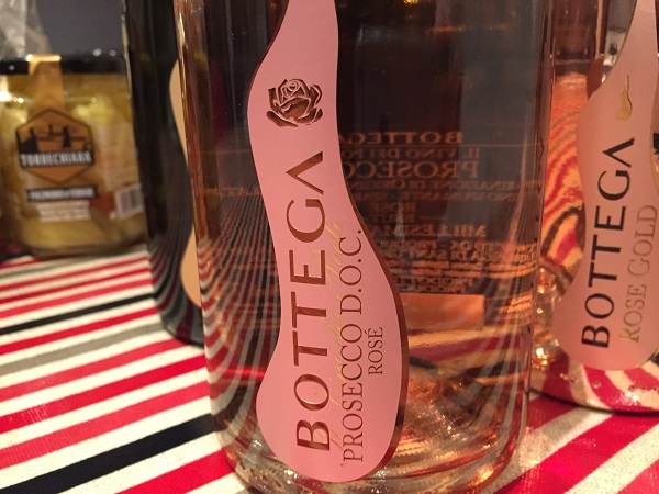 Bottle images of Bottega Prosecco Rosé and Rose Gold